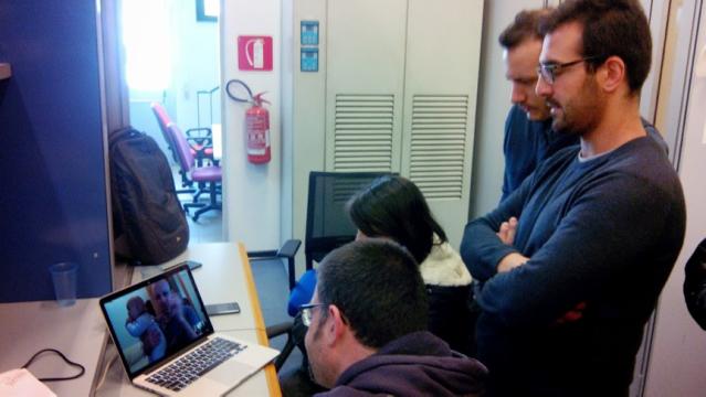 Momenti del test alla BTF. I ragazzi del gruppo IT si coordinano con l'ideatore del framwork di !CHAOS e la mascotte del gruppo Tommaso.